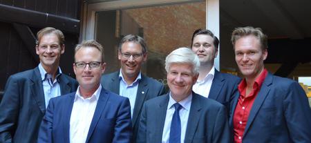 Fra venstre: Martin Ravn, direktør for NoriDane Norge, partner Ole Storgaard, Norturas konsernsjef Arne Kristian Kolberg, Danish Crowns administrerende direktør Kjeld Johannesen, Ronnie Melbye som er direktør for NoriDane Danmark og Daniel Demant, partner i NoriDane.