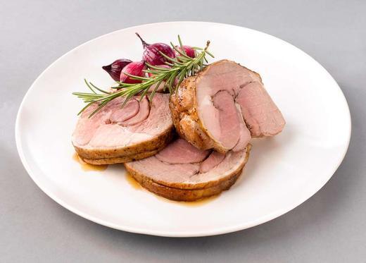 Gilde ovnsklar lammestek med rosmarin og timian er en av tre nye steker fra Gilde som kommer i stekepose. Det er dessverre kun i utvalgte Kiwi, Joker og Spar-butikker du finner dette produktet.