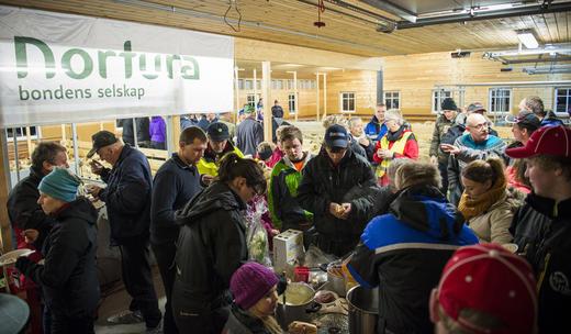 200 på fjøsopning i Tysvær