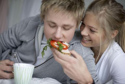 Unge gutter spiser mer, også mer kjøtt, enn unge jenter, og får dermed mer jern.