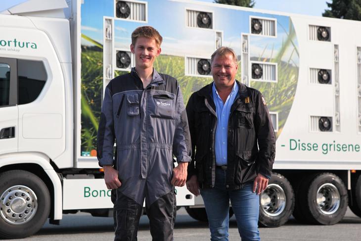 Sjåfør på bilen Bjørnar Roth og Erling Vaula iAgro Transport. Foto: Nortura